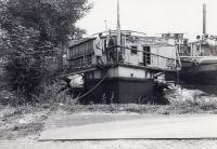 schwimmendes_Bootshaus_vor_dem_Kauf_01