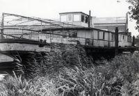 schwimmendes_Bootshaus_vor_dem_Kauf_02