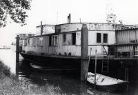 schwimmendes_Bootshaus_vor_dem_Kauf_03